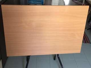🚚 Foldable Table