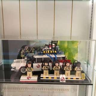 LEGO Ghostbusters Ecto-1 21108 MINT CONDITION with acrylic box