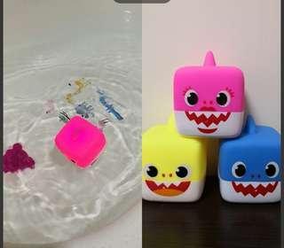 Babyshark 音樂/閃燈玩具