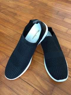 🚚 Men sneakers (brand new)