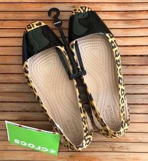 Crocs leopard shiny flat - W4
