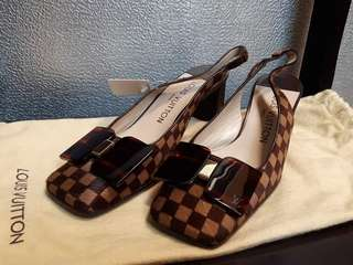 97022dd3808a4 Autehntic Louis Vuitton Sandal