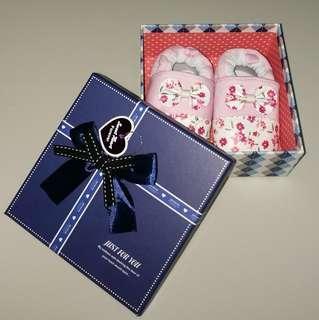 🚚 Newborn baby shoes/ gift