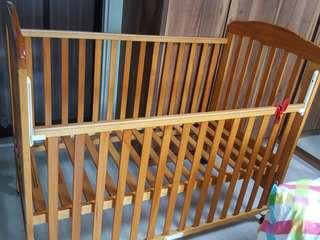 Preloved baby cot