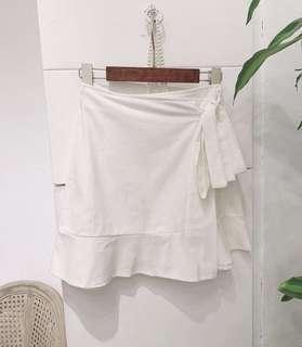包郵🧸白色綁帶荷葉邊短裙