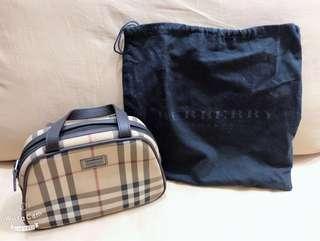 🚚 Burberry Handbag