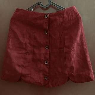 button skirt maroon