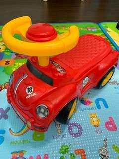 🚚 Ride-on Toy Car