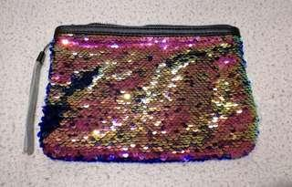 Color Changing Pouch