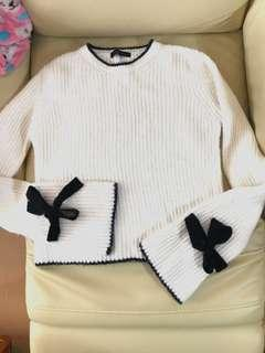 Last price New look white knit top flare sleeves jumper