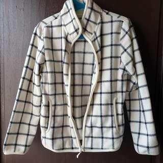 Uniqlo Fleece Jacket 6 to 8 yrs old
