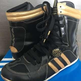 Adidas black gold track 'Respect Me' boots  size 39 黑金波鞋