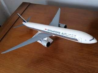 Singapore airlines - model plane