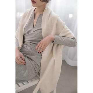 🚚 Po: shawl/ sleeveless outerwear