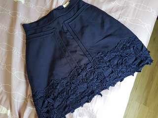 🚚 Mgg navy crochet skirt size s