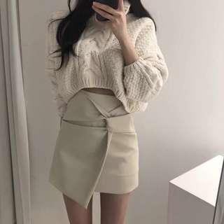 🚚 Po: asymmetrical skirt