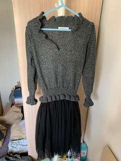 (95% new) 🇰🇷韓國製 CP值極高V領灰色冷衫拼黑色紗裙OPS💕