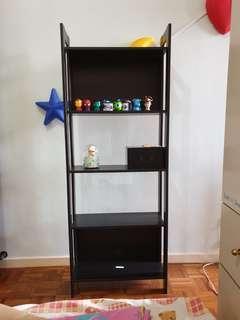 🚚 Black shelf