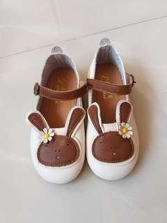 Girl's shoes(18cm)size 29