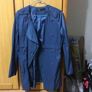 🚚 湖水藍  風衣外套