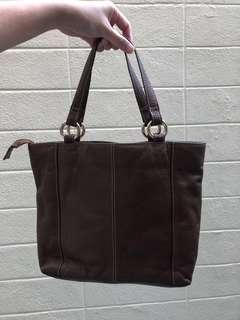 Handbag hush puppy