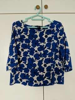 🚚 Blue Floral Top