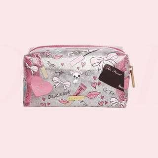 SALE: Too Faced Skinny Dip Limited edition make up pouch • very cute in person and glittery • originally worth $20 • pink gold silver mini cosmetics makeup bag • Approximate measurement in inches: W: 4.3 / L: 7.25 / H: 4 • Spacious inside