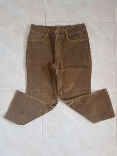 🚚 Blessing Velvet Brown Quarter Pant
