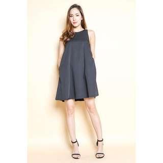 🚚 Montifs Liv Trapeze Dress in Black