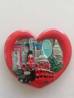 London love shaped fridge magnet rm6 NEW