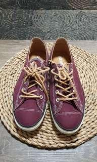 burgundy red converse all stars