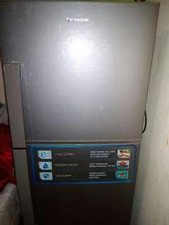 Kulkas 2 pintu Panasonic