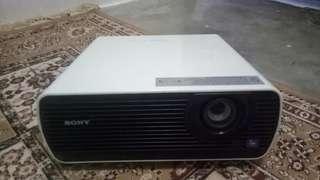 Sony projector VPL-EX175