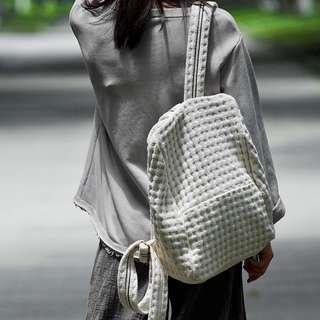 [ U'NIDO ]原創手作 城市旅途厚實棉麻針織布後背包-清爽米白色/ 背帶長可調整/ 上班上課日常包/ 暖心禮物