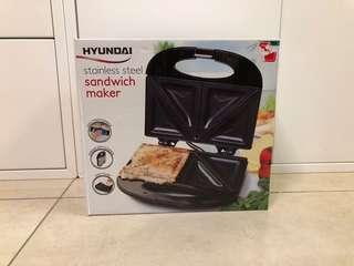Hyundai sandwich maker