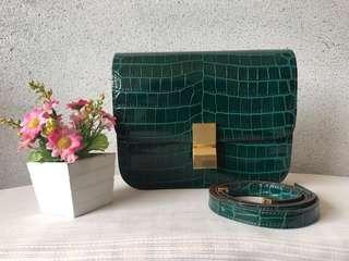 🚚 Medium Classic Box Bag