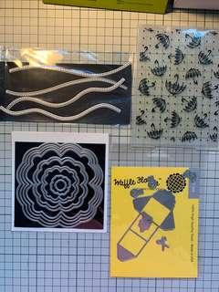 🚚 Various dies and 1 embossing folder