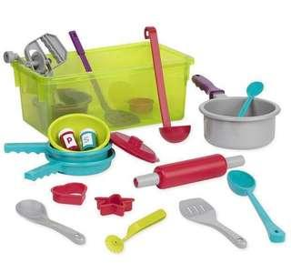 🚚 [SALE] Battat Deluxe toy cooking / kitchen play set by Battat