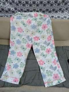 Night pants flower pattern