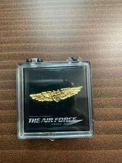 🚚 RSAF pins // Collectibles