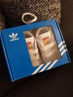 BNWT Adidas superstar crib sneakers UK size 3K US size 4