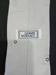 Dasi pria Gianni Versace