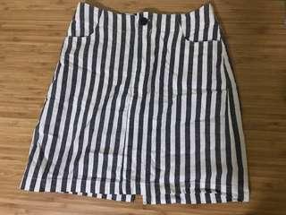 🚚 Brandy melville stripe skirt