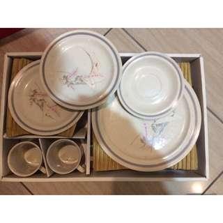 🚚 典雅/梅花/環保/陶瓷/廚房餐具組合 馬克杯/餐盤/盤子/餐碟/杯子