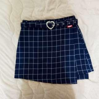 🚚 50% | 深藍格子短裙 褲裙設計