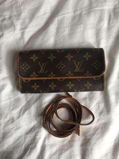 Louis Vuitton LV 2 way clutch/sling bag