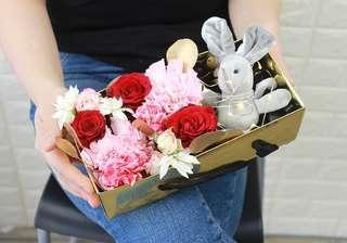 Flower gift box with bunny
