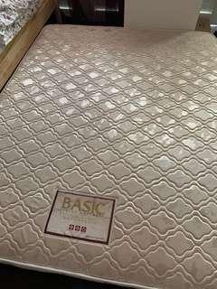 🚚 maxcoil mattress (queen sized)
