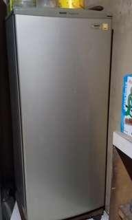 Freezer Sanyo HF-S6L