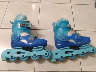 Roller blade, kasut roda with knee pad